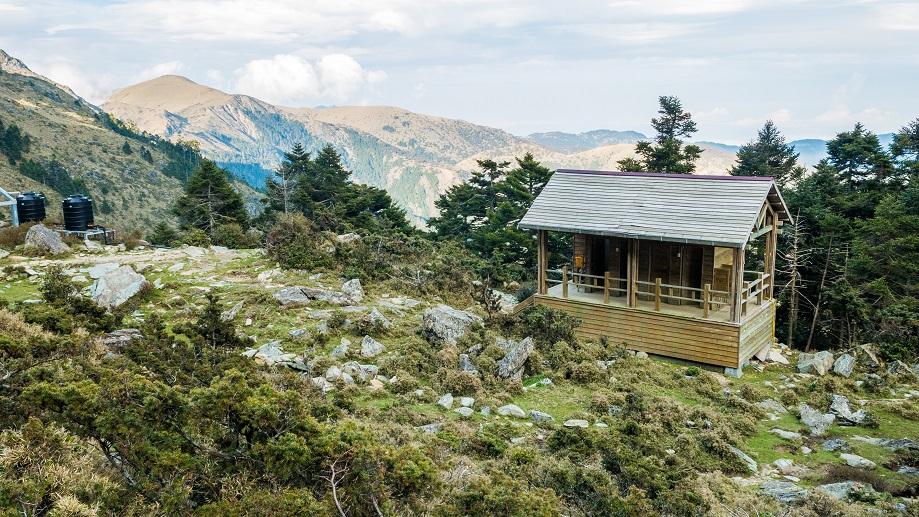 嘉明湖山屋-廁所