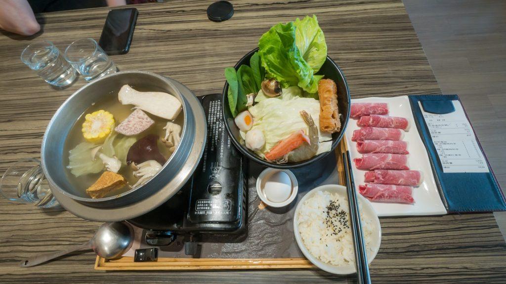 EZKon Cafe 異人館 台中東英 北海道昆布牛肉鍋